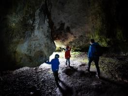 Familenhöhlenwanderung im Kathäusertal und Offnethöhlen   2016