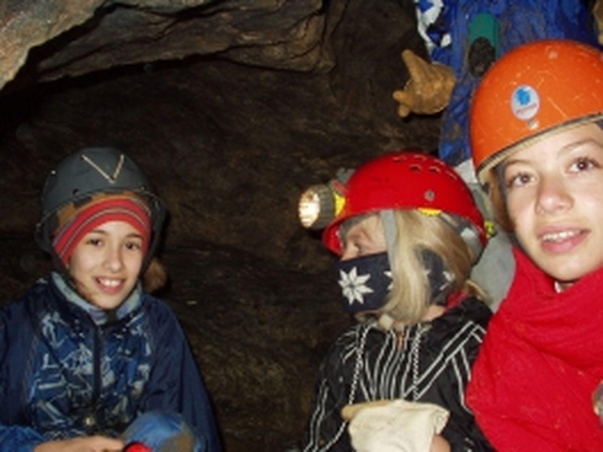 Geissloch mit Jugend 2003_9