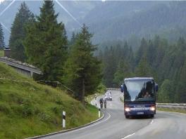Tourenbus unterwegs