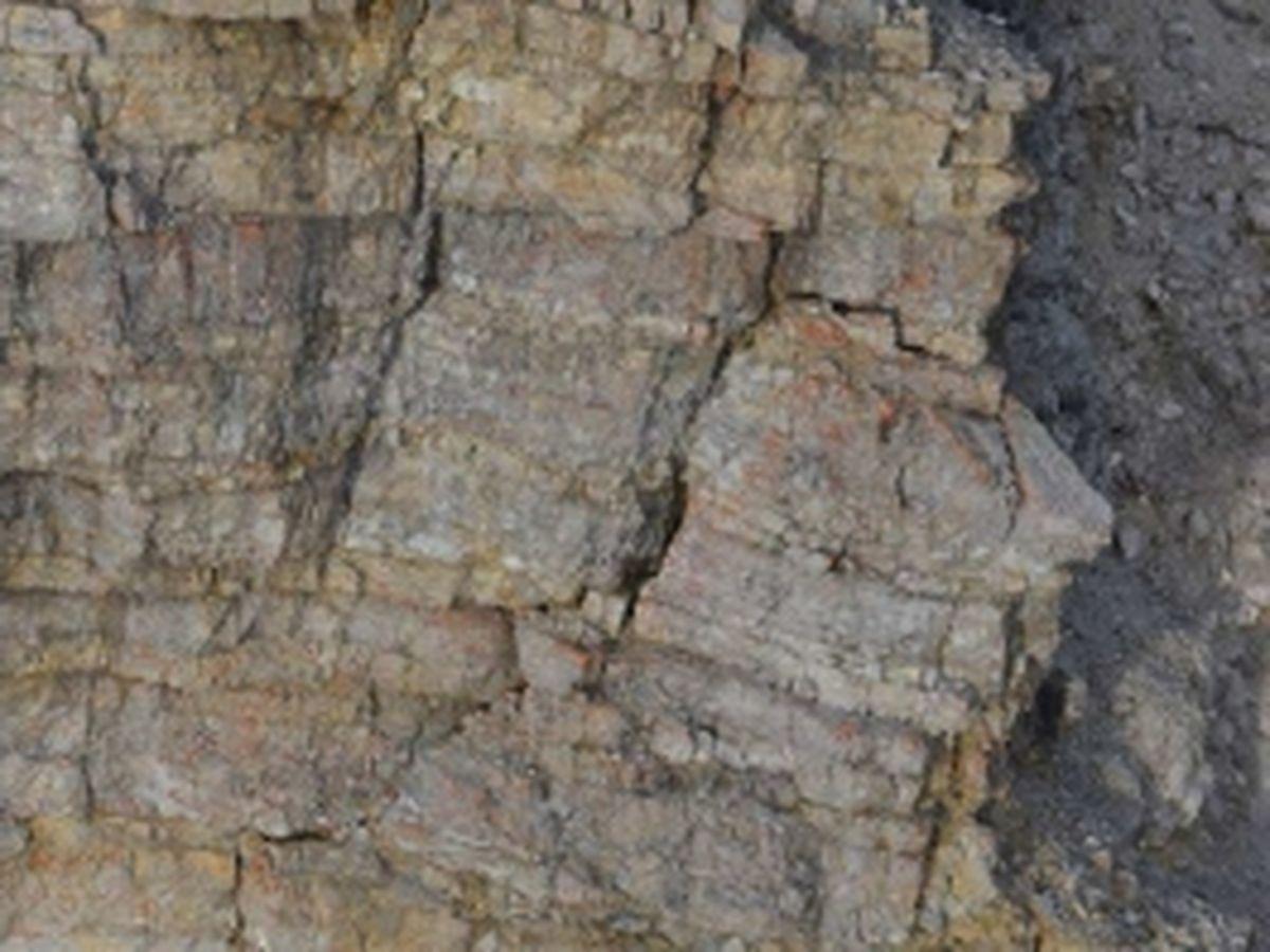 Ost- bzw. Südwand - Zerlegung bzw. frische Spaltenbildung ... samt Vorbereitung des Absturzes ausgedehnter Wandpartien | Gutachten Landesgeologie Tirol, 25.09.2014